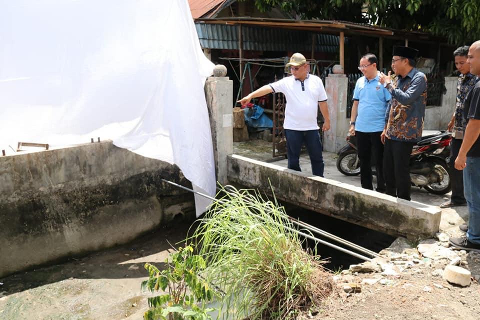 menghadiri acara undangan Hadjatan warga sekaligus bersilaturahmi untuk mengetahui kondisi wilayah dan keluhan warga